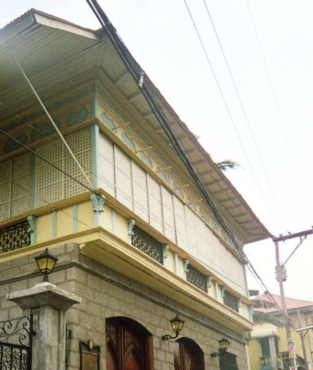 Taal House 2