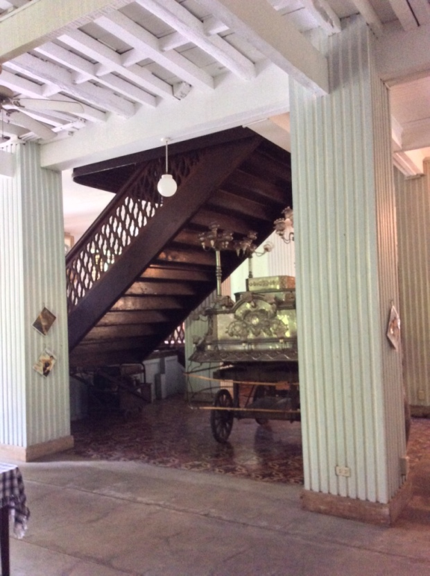 Balay ni Tana Dicang Ground Floor Carriage Under the Stairs