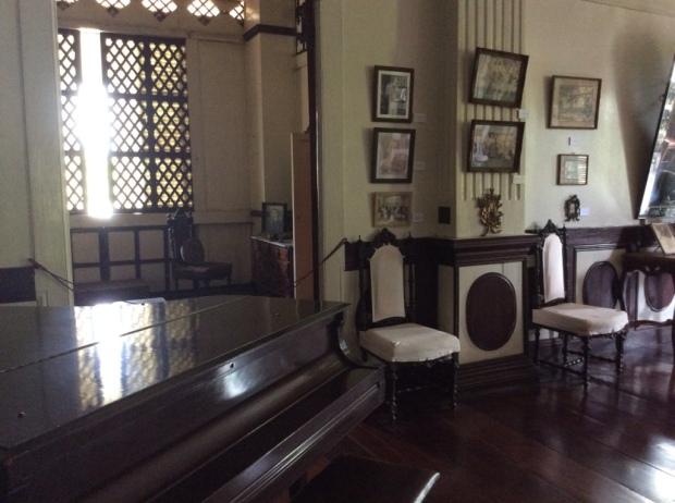 Balay ni Tana Dicang Sala Side and Piano