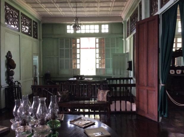 Jalandoni House Sala Stairs View